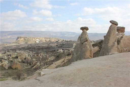 Üç güzeller peri bacaları Ürgüp Nevşehir Kapadokya